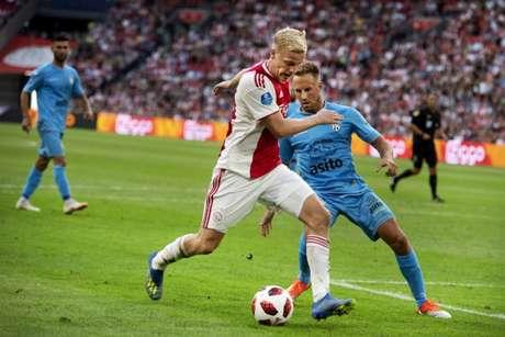 Van de Beek está acertado com Real Madrid para a próxima temporada (AFP)