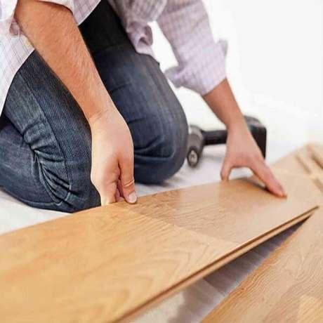 8. Como colocar piso laminado click sem danificar sua estrutura. Fonte: Pinterest