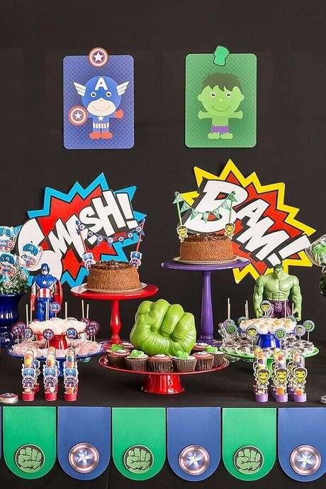 57. Ideia de decoração para festa dos Vingadores com detalhes coloridos – Foto: Pinterest