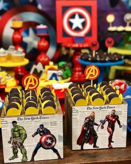 58. Idea para decoração de festa infantil dos Vingadores – Foto: Chris Kessler
