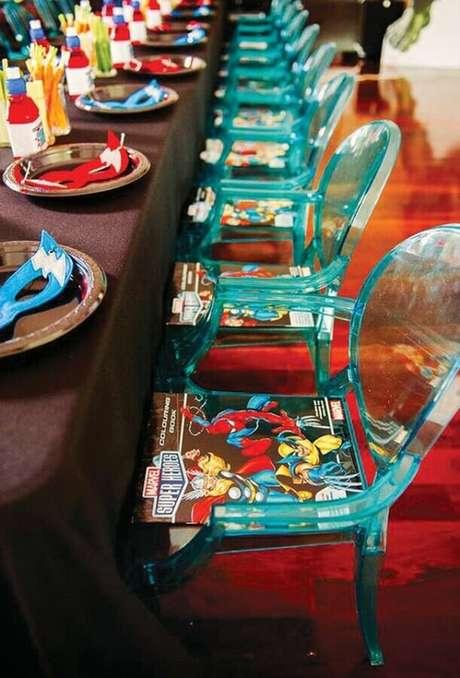 8. Máscaras e revistas em quadrinhos são ótimas opções de lembrancinhas para festa de aniversário dos Vingadores – Foto: Home Decor Ideas