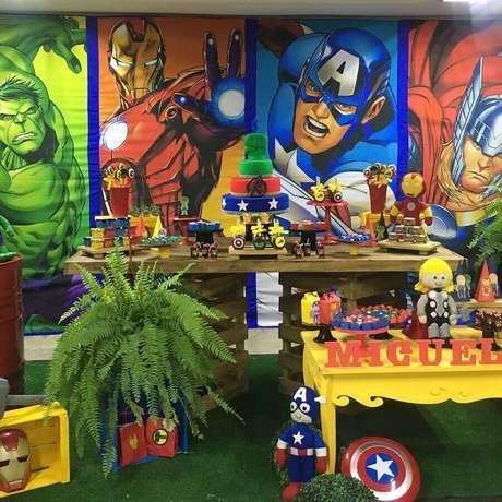 4. Os personagens em destaque vão influenciar nos detalhes e cores para a decoração de festa infantil dos Vingadores – Foto: Pinterest