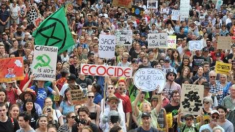 Na Austrália, afetada por fortes incêndios florestais, manifestantes cobram do governo ações contra as mudanças climáticas