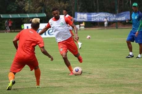 Junior Todinho espera fazer uma grande temporada no Guarani (Foto:Reprodução)