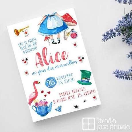 44. Convite de aniversário infantil Alice no País das Maravilhas – Foto: Limão Quadrado