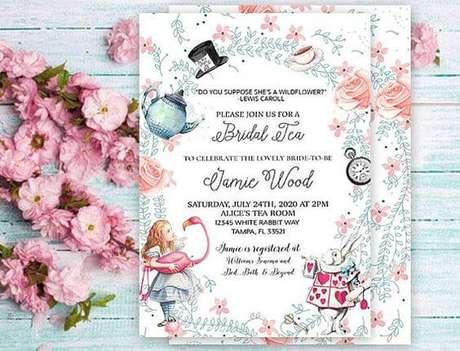 50. Convite de aniversário infantil da Alice no país das maravilhas – Foto: Pinterest
