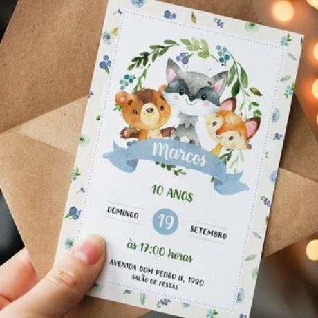 3. Convite de aniversário infantil masculino na floresta – Foto: Elo7