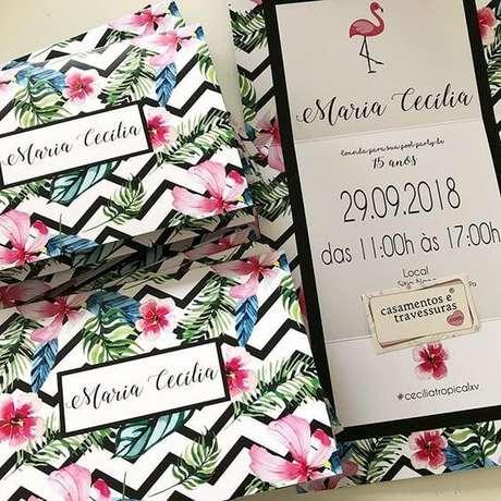 21. Convite floral para aniversário tropical – Foto: Pinterest