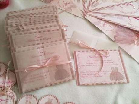 33. Convite de aniversário infantil cor de rosa – Foto: WebComunica
