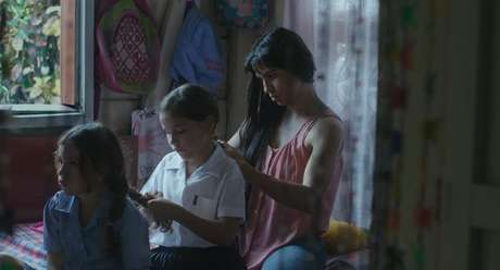 Isabella Moscoso e Daniela Valenciano em 'O Despertar das Formigas' (2019)
