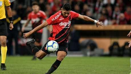 Cobiçado pelo Corinthians, Rony parece mais próximo do Palmeiras no momento (Miguel Locatelli/Athletico-PR)
