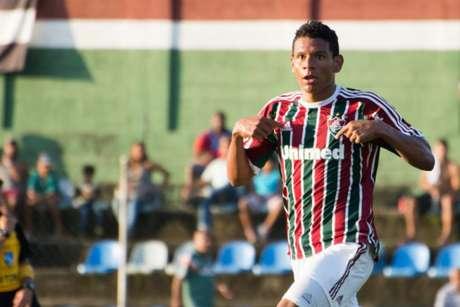 Euller com a camisa do Fluminense (Foto: Bruno Haddad / Divulgação FFC)