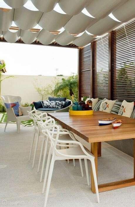 33. Jogo de mesa e cadeira para varanda – Foto: DIYcore