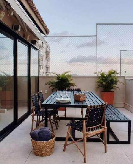 51. Mesa e cadeira para varanda – Foto: LZ Studio