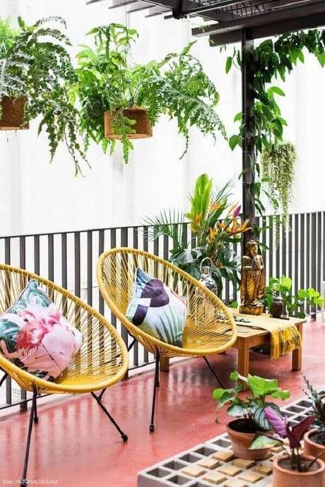 56. Jogo de cadeiras para varanda simples – Foto: Lojas Incor