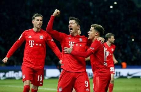 Lewandowski marcou um gol na goleada por 4 a 0 e se isolou na artilharia (RONNY HARTMANN / AFP)