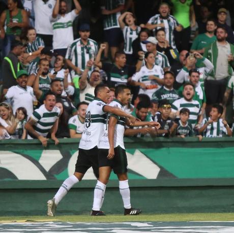 O Coxa saiu atrás no placar, mas buscou o empate dentro de casa (Foto: Divulgação/Coritiba)