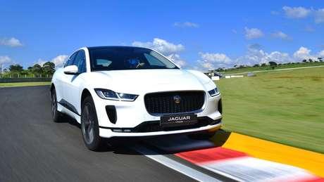 O Jaguar I-Pace é o primeiro carro de luxo a fazer sucesso no mercado brasileiro de elétricos.