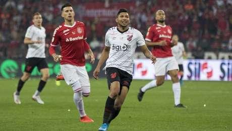Atacante Rony vive impasse com Athletico-PR e treina com o time B do clube (Digue Cardoso/Agencia Freelancer)