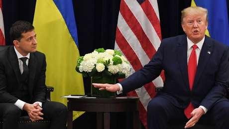 Volodymyr Zelensky e Donald Trump: americano é acusado de reter ajuda militar ao ucraniano, para pressioná-lo a investigar um rival