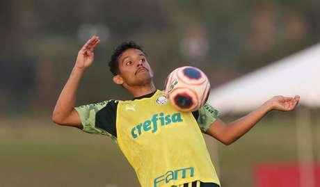 Gustavo Scarpa foi para os EUA com a delegação e não jogou à espera de definição (Cesar Greco/Agência Palmeiras)