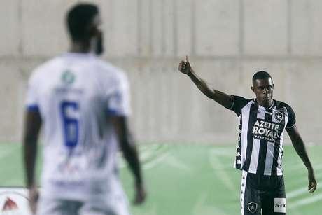 Benevenuto em ação no amistoso (Foto: Vítor Silva/Botafogo)