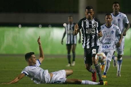 Cícero em Cariacica (Foto: Vítor Silva/Botafogo)