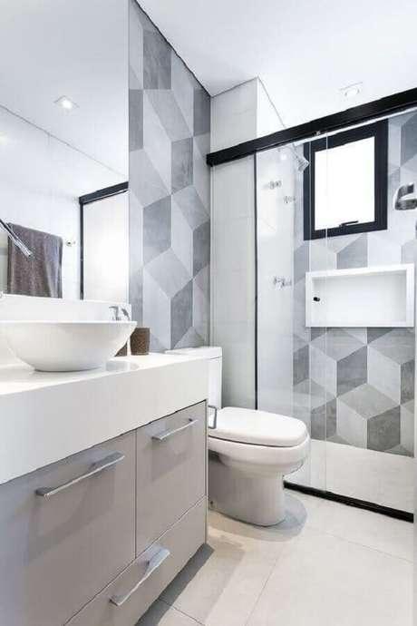 46. Modelo de banheiro de apartamento branco e cinza com detalhes pretos – Foto: Casa de Valentina