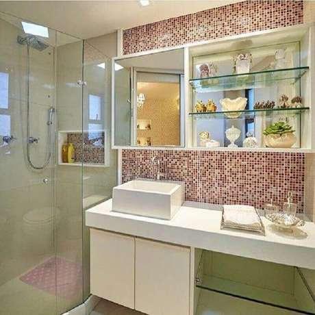 2. O tipo de revestimento escolhido fará toda diferença na sua decoração de banheiro de apartamento – Foto: LM Arquitetura