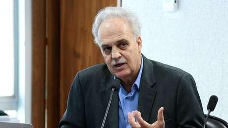 'O discurso do Paulo Guedes é muito desalinhado ao discurso do mundo econômico em Davos', afirma Nobre