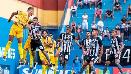 Jogadores do Botafogo contra o Madureira (Foto: MyphotoPress)