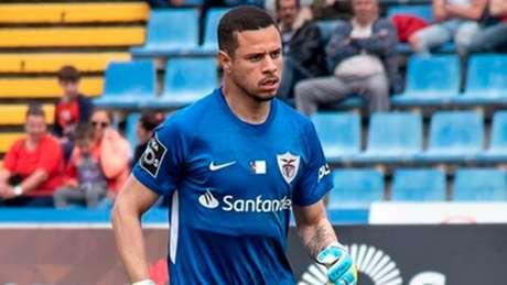 João Lopes em ação pelo Santa Clara, clube da primeira divisão de Portugal (Foto: Divulgação)
