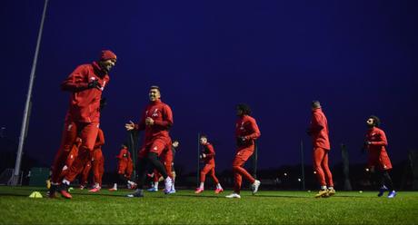 Jogadores treinando para a partida contra os Wolves (Foto: Divulgação/Liverpool)