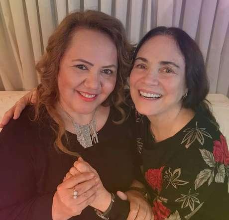 No último dia 20, Jane Silva postouuma foto com Regina Duarte em seu Facebook: 'Como Secretária da Diversidade Cultural dou maior apoio para Regina Duarte aceitar o convite do JB' (Jair Bolsonaro), dizia o post.