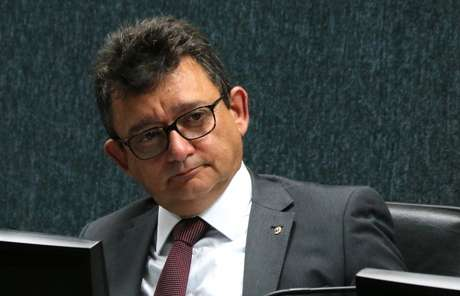 José Adonis Callou de Araújo Sá.