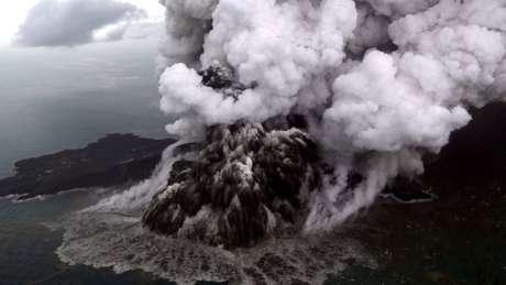 O Anak Krakatoa em 23 de dezembro de 2018