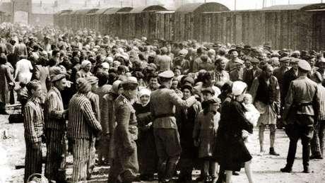 Em apenas oito semanas de 1944, cerca de 424 mil judeus foram enviados para Auschwitz-Birkenau