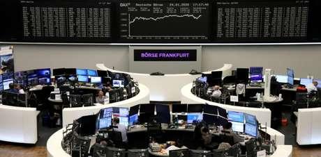 Tela com gráfico do índice DAX, na Bolsa de Frankfurt. 24/01/2020. REUTERS/Staff