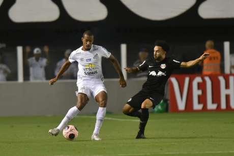 Luiz Felipe foi titular contra o RB Bragantino, na última quinta-feira (Ivan Storti/Santos)