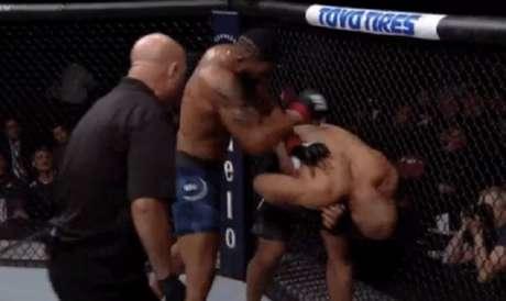 Blaydes conseguiu nocautear Cigano no segundo round do main event do UFC Raleigh (Foto: Reprodução)