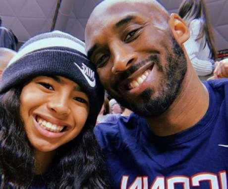 Kobe e a filha Gianni morreram no acidente (Foto: Reprodução/Twitter)