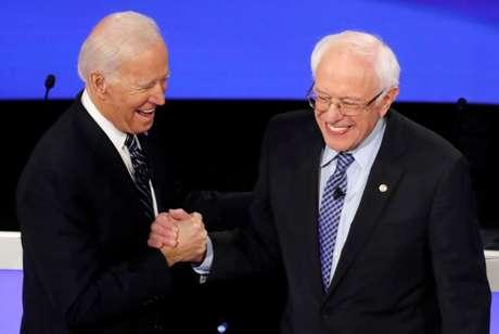 Senador Bernie Sanders e ex-vice-presidente Joe Biden 14/01/2020 REUTERS/Shannon Stapleton