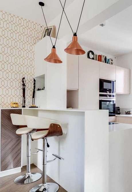 23. Escolha modelos de banquetas modernas para cozinha que sejam práticas e confortáveis – Foto: Architizer