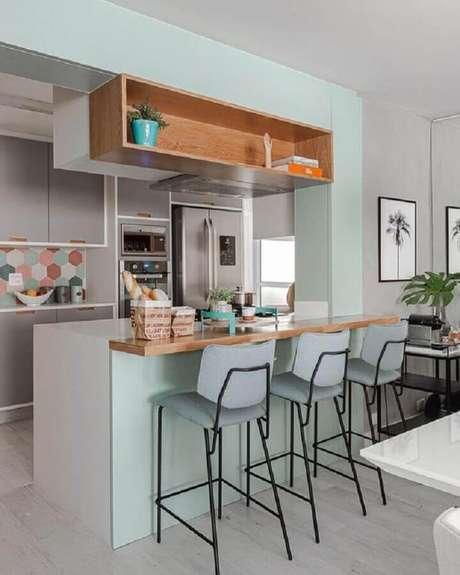 37. Banquetas modernas para cozinha americana pequena planejada – Foto: Pinterest