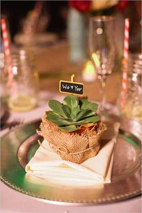 30. Lembrancinha de mesa de casamento – Via: Wedding Chicks