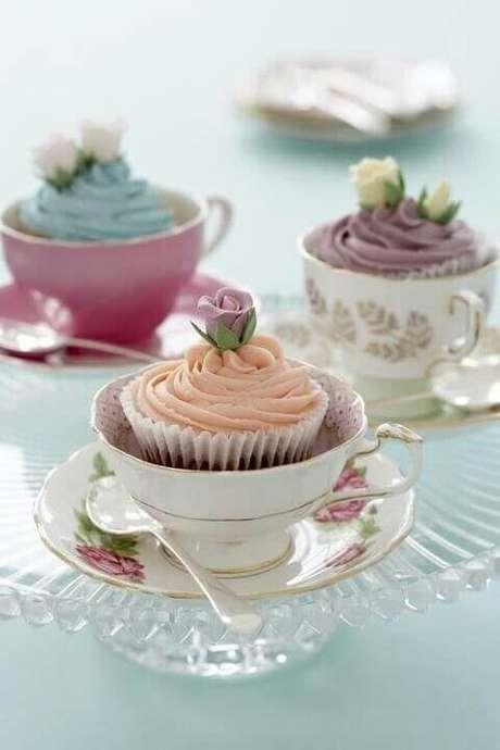 41. Lembrancinha de mesa para aniversário com cupcake – Foto: Eu Nenem