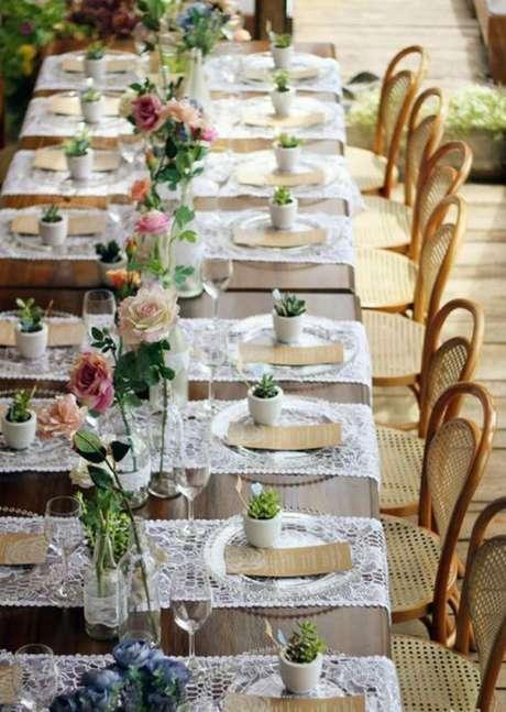 11. Lembrancinha de mesa com suculentas para casa – Via:Revista artesanato