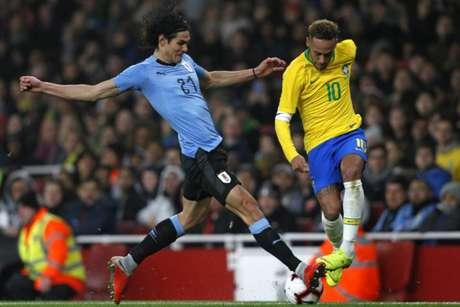 Duílio afirmou ter sondado os astros do PSG: Cavani e Neymar (AFP)