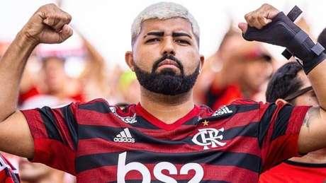 Jeferson Sales ficou conhecido nos estádios por seguir o Flamengo como sósia do Gabigol (Reprodução/Instagram)