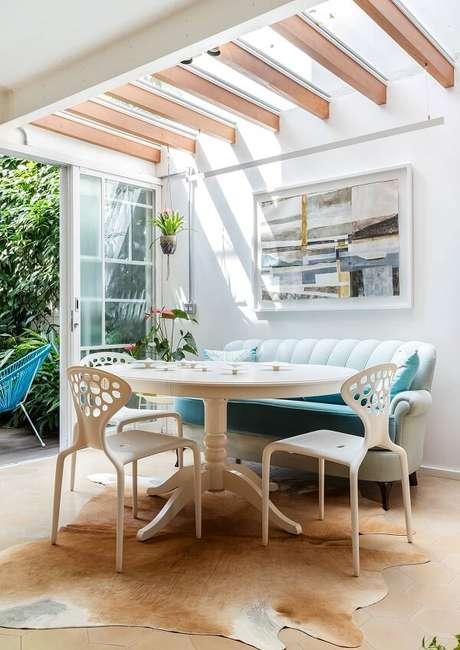 1. Ambiente aconchegante com cobertura de vidro – Fonte: História de Casa